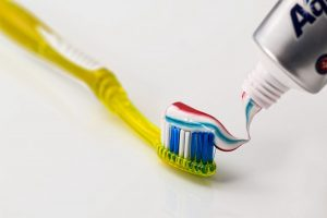 how to brush teeth without toothpaste