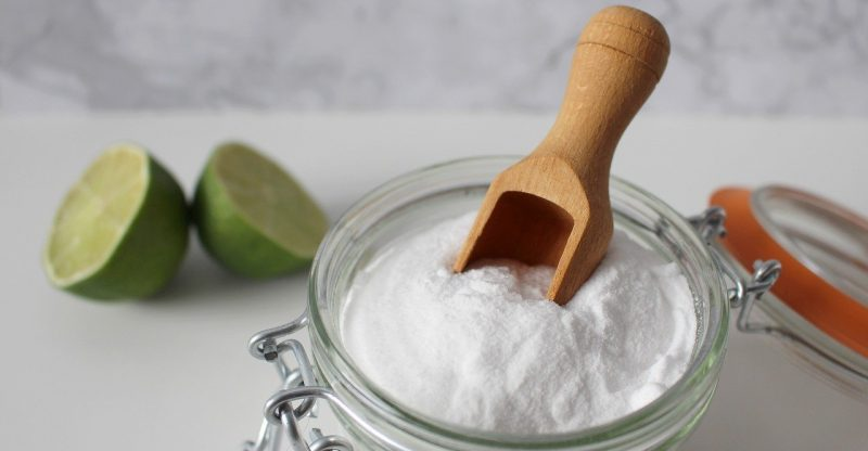 baking soda teeth whitening dangers